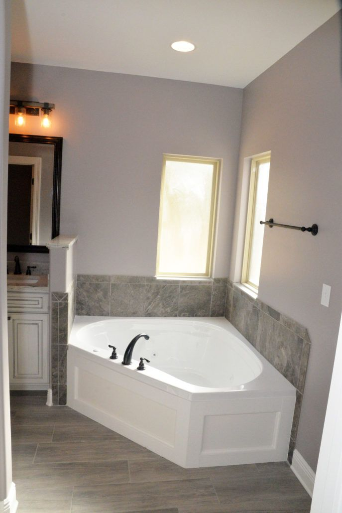 Ira Johnson Master Tub
